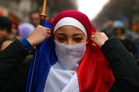 http://islamiquement.files.wordpress.com/2008/07/french-muslima1.jpg?w=500